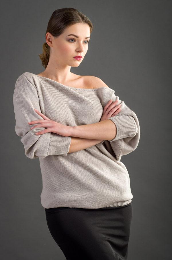 Sweter asymetryczny beżowy