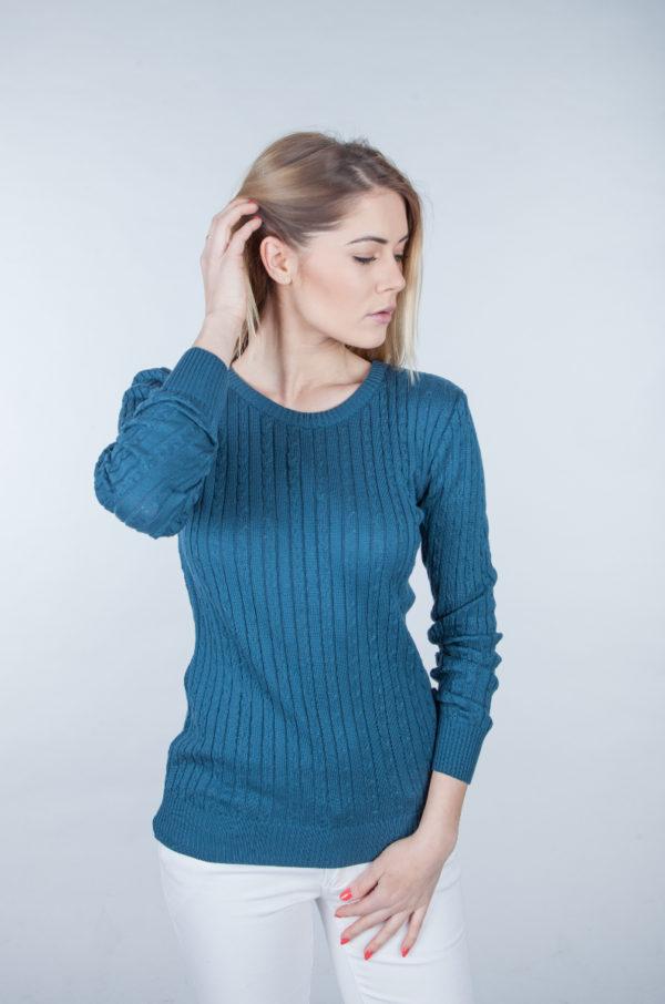 Sweter w drobne warkocze petrol