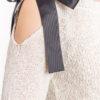 Sweter z kokardą - biały